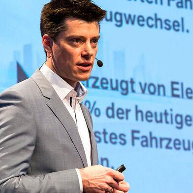 Florian Schek at the Lightweight Construction Summit 2017